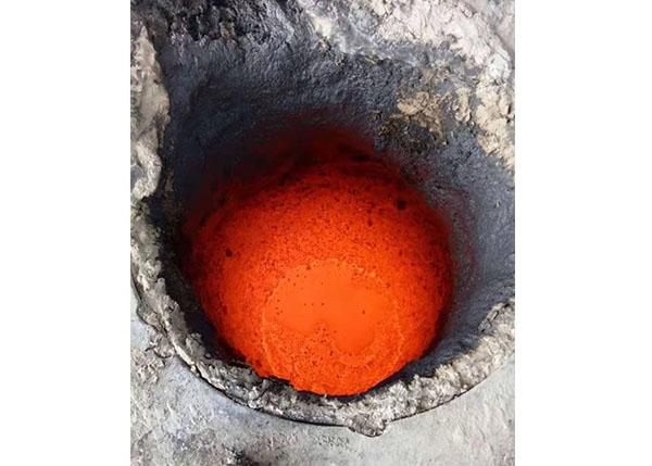 营口南楼东泰耐火材料有限公司告诉您如何选择中频炉捣打料