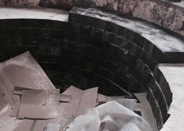 镁钙砖施工现场